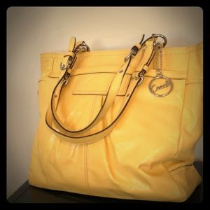 Beautiful vintage yellow leather coach purse